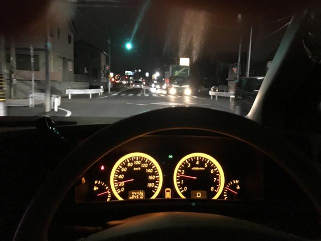 夕暮れ時、夜間の運転